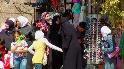 Scenes from a female Islamic school in Syria