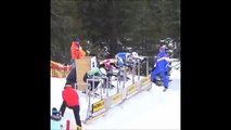 Enorme gamelle d'un skieur qui perd ses ski et part en salto avant