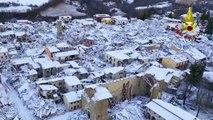 Italie : un drone filme les décombres enneigés d'Amatrice, ravagé par un séisme il y a quatre mois