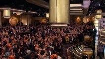 """Le prompteur de Jimmy Fallon tombe en panne au début de sa présentation des """"Golden Globes"""" - Regardez"""