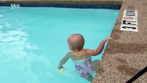 Todler baby girl knows how to swim  all on her own. That babe i blessed. :33 I wish i was able to swim at that age, and so well too. ooouu!