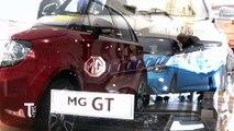 La célèbre marque automobile britannique Morris Garages livre ses premiers véhicules