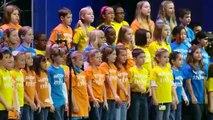 Autiste et aveugle, quand cet enfant chante tout le public fond en larmes !