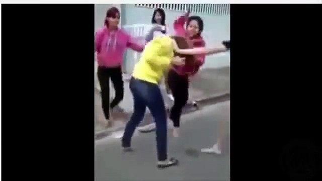 смотреть онлайн голые драки девушек