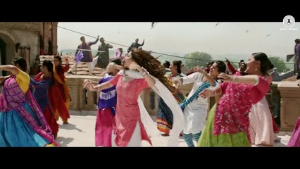 Udi Udi Jaye Film Raees | Mahira Khan and Shah rukh Khan