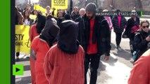 Déguisés en prisonniers, des partisans de la fermeture Guantanamo arrêtés à Washington