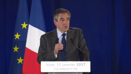 """""""Réduire l'immigration légale au strict minimum"""" - François Fillon"""