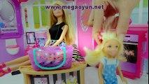 Barbie ve kardeşi havuz partisine gidiyorlar ve eğleniyorlar - Barbie oyunları ve kız oyuncakları! | www.megaoyun.net