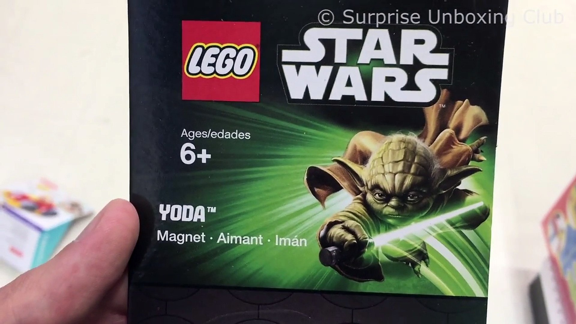 LEGO STAR WARS - YODA - Magnet Figure with green lightsaber