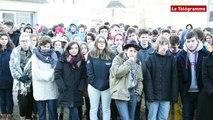 Carhaix. Les lycéens de Diwan manifestent pour passer le bac en breton