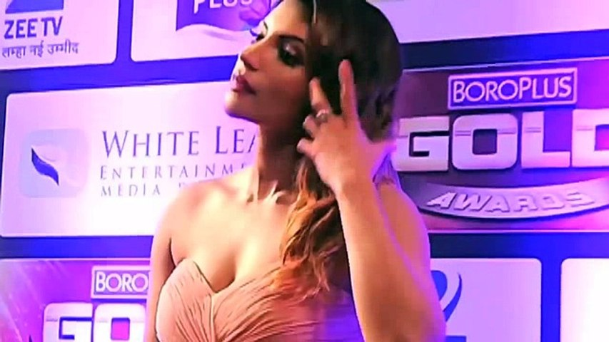 Shama Sikander Bold Hot Scenes In MAAYA Web Series