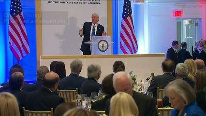 Trump préside un déjeuner au Trump Hotel de Washington