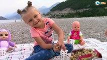 Ярослава и Куклы Беби Борн и Ненуко. Видео для детей. Пикник у моря Турция. Baby Born & Nenuco