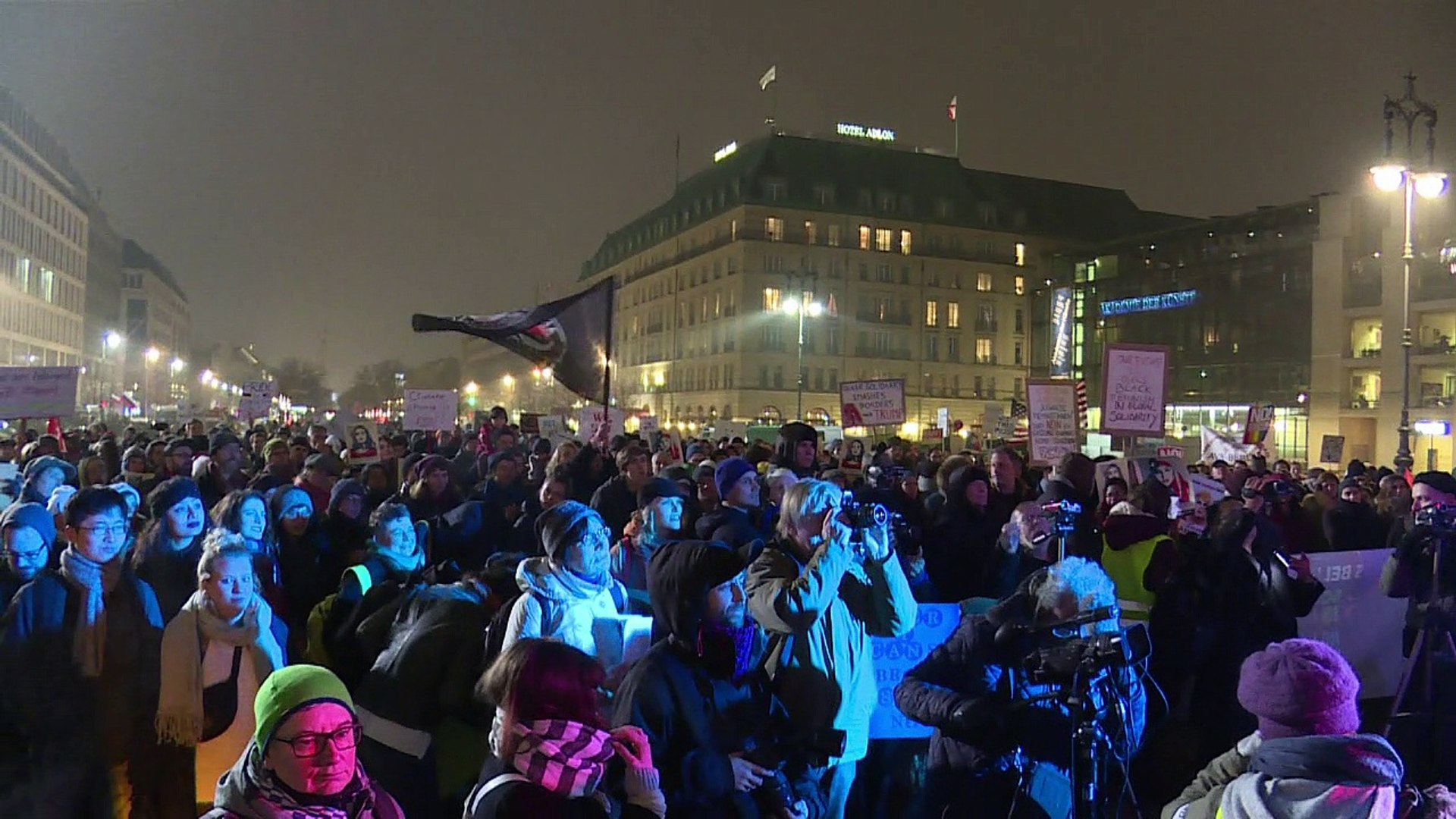 Anti-Trump-Demo in Berlin: Gegen Hass, gegen Trump