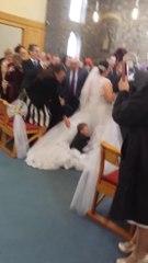 Ce gamin a pris la robe de la mariée pour un trampoline...