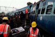Deraglia treno in India, almeno 32 i morti