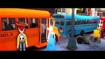 Колеса на автобусе идут круглый и круглые песни Халк Человек-Паук, замороженные детские потешки для детей