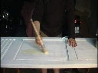 Visionnez les Cours Vidéo de Peindre une surface de bois - Cours de bricolage