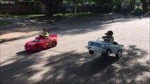 Voiture de course VS voiture de collection... Papa a du gonfler le moteur!
