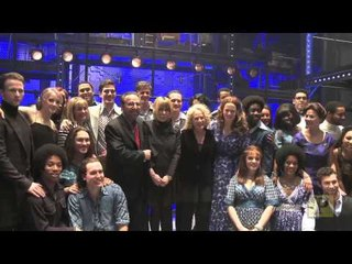 """Icon Carole King Sings at """"Beautiful""""'s West End Curtain Call"""