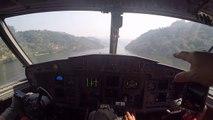 Vivez le remplissage d'un Canadair CL415 dans un fleuve de l'interieur