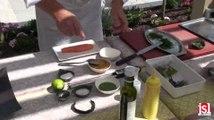 Apprenez la cuisson vapeur douce d'un saumon bio sur coulis de ratatouille, puree de oois verts et salicornes, wakame, herbes du jardin...