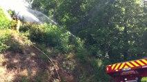 Les pompiers stagiaires en formation feu de...