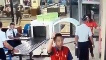 Un pilote ivre parvient à passer le contrôle de sécurité et à prendre les commandes de l'avion.