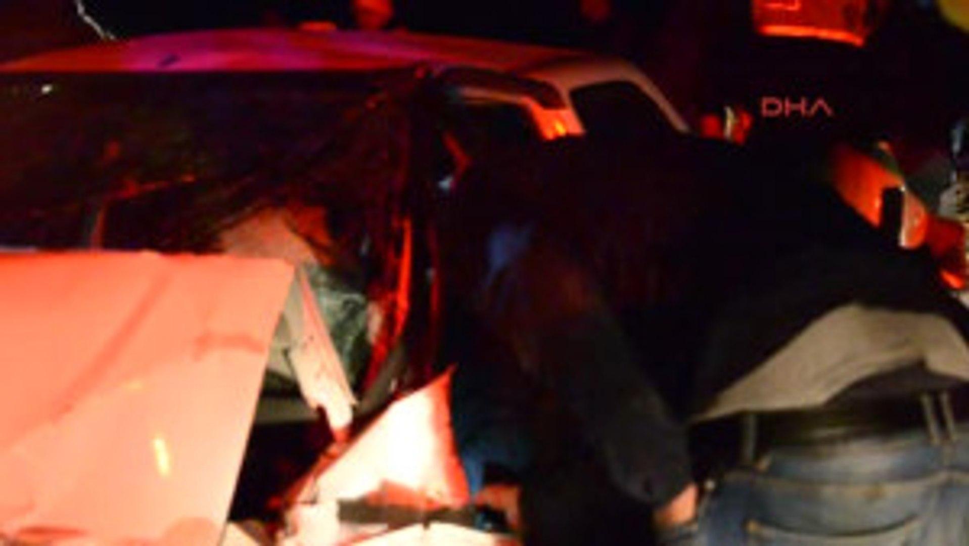 Denizli Otomobiller Karşılıklı Çarpıştı: 1 Ölü, 1 Yaralı