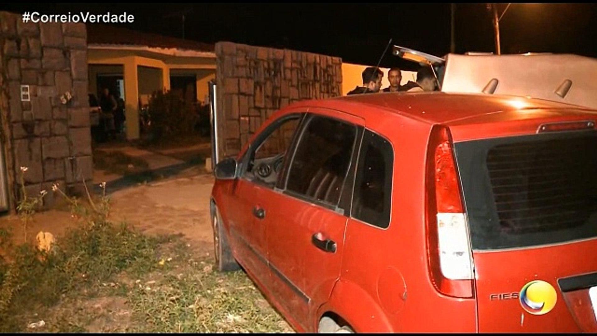 Correio Verdade - Três adolescentes foram detidos em flagrante no momento em que tentavam fugir com