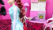 Barbie Pregnant with Prince Hans Brunette Elsa and Jasmine Pregnancy Announcements DisneyCarToys