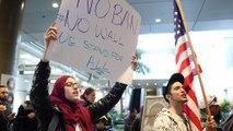 Опрос: сторонников у иммиграционного указа Трампа всё же больше