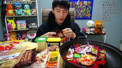 BANZZ▼BANZZ Table using Spicy soup noodles + Dumplings! 밴쯔▼ 불닭볶음탕면을 이용한 밴쯔정식5탄 + 만두한판 먹방!