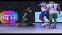 Les gestes magiques de Ronaldinho en futsal