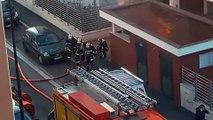 Une bouteille de gaz explose dans un appartement en feu