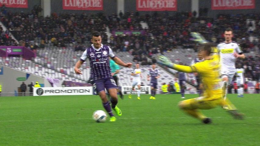 Martin Braithwaite signe le break sur pénalty face à Angers !