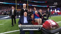 Super Bowl: L'émouvante traversée surprise du stade cette nuit par George et Barbara Bush