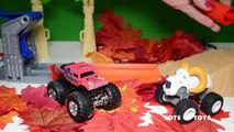 Pumpkin Surpise Blaze and the Monster Machines Monster Truck Face Off and Hot Wheels Track