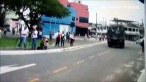População desarmada, e acuada por bandidos comemora a chegada do Exército Brasileiro nas ruas do Espirito Santo