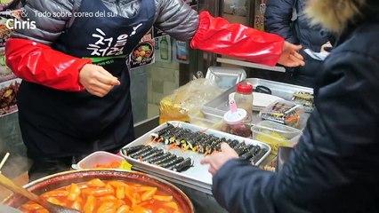 Eating Bibimbap at Gwangjang Market | The healthiest food in Korea