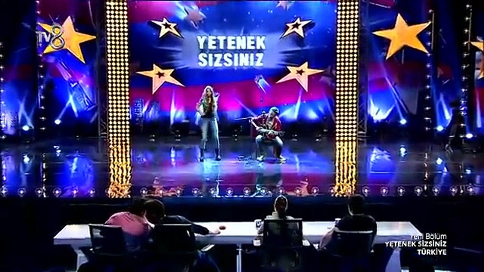 Aleyna Tilki Türkiye'nin Shakira Super Yorum