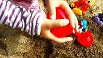 メルちゃん公園で砂遊び!宝探し❤アンパンマン一緒に宝探したよ!キッズ アニメ&おもちゃ 子供向け動画 キッズトイ-4WuvG8OajYI