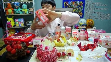 BANZZ▼Strawberry desserts!!! Mukbang (Eating Show-Social Eating) 밴쯔▼  딸기덕후들 모여라! 딸기관련 음식들 먹방! 편집본