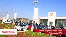 2017 Nissan Maxima Vs Toyota Avalon - Near the Stratford, ON Area