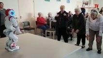 Zelie, le robot qui fait danser les seniors à Alfortville
