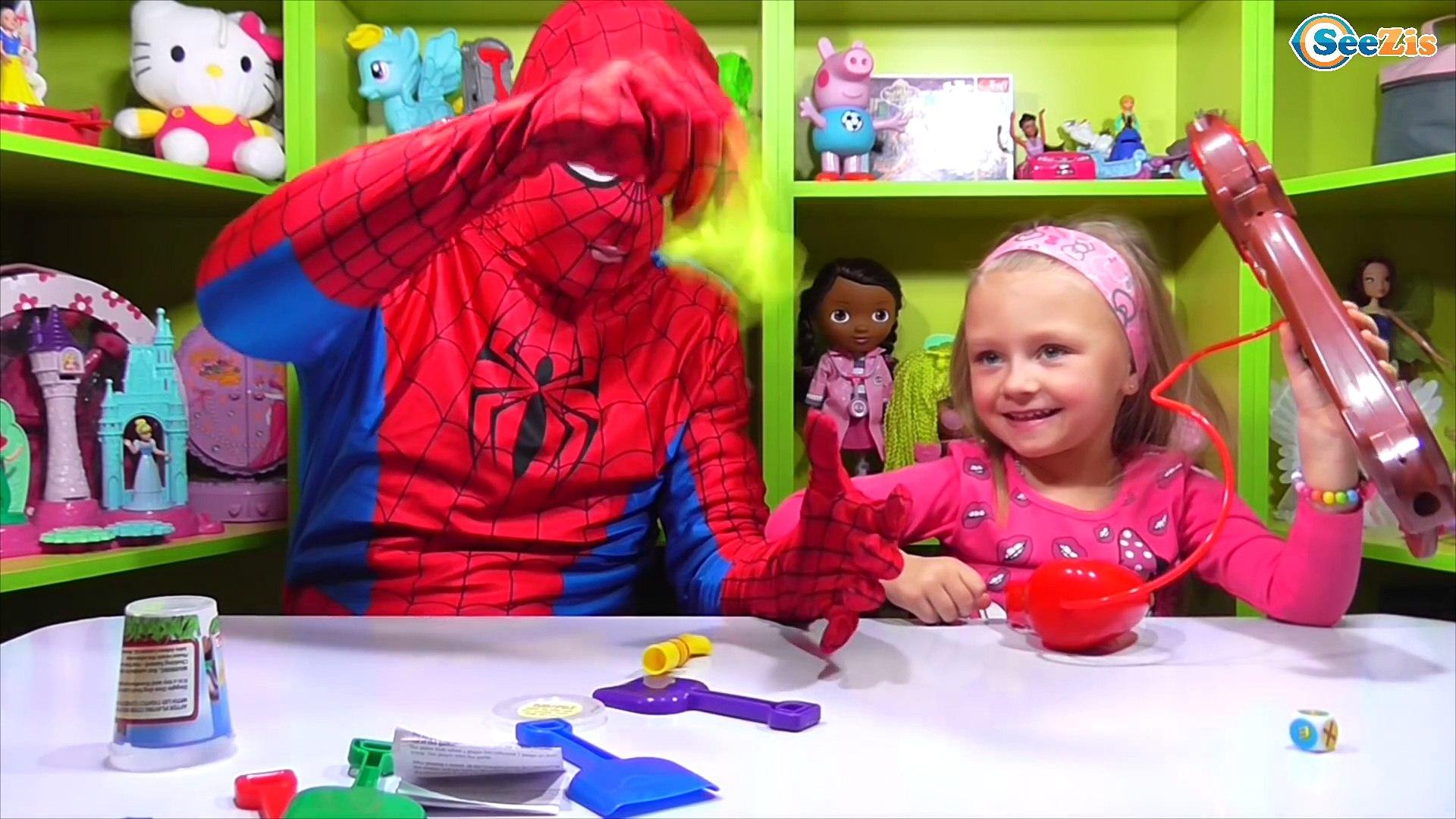 ✔ Spiderman. Ярослава играет с Человеком Пауком и новым питомцем — DOGGIE DOO / Video for Kids ✔