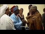 souvenir 2005 – Quand Youssou Ndour présentait ses parents au Président Wade…Regardez