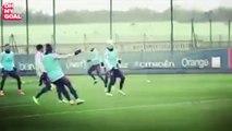 Javier Pastore s'amuse à l'entraînement