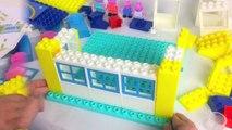 Peppa Pig Blocks Mega House Construction Set - Juego de Construcciones Playset con Mamá Pa