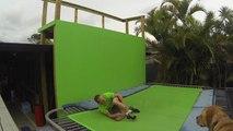Il se fracture le tibia et le péroné en faisant du trampoline